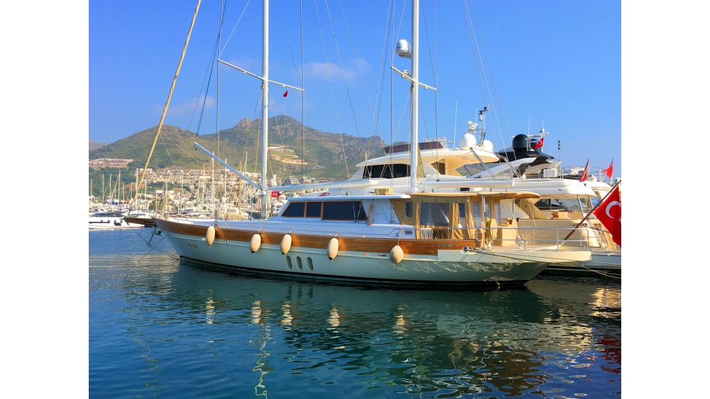 Istanbul Built Sailing Yacht (13)