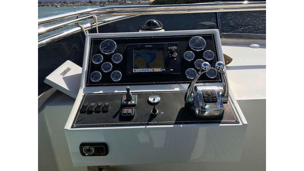 Pilothouse Trawler Motor Yacht (21)