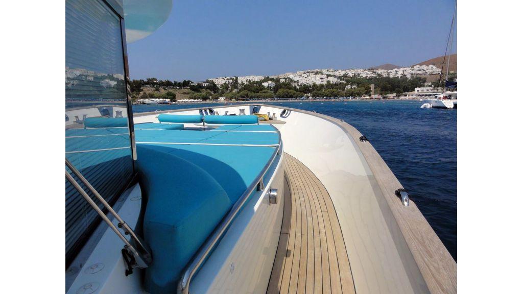 Pilothouse Trawler Motor Yacht (6)