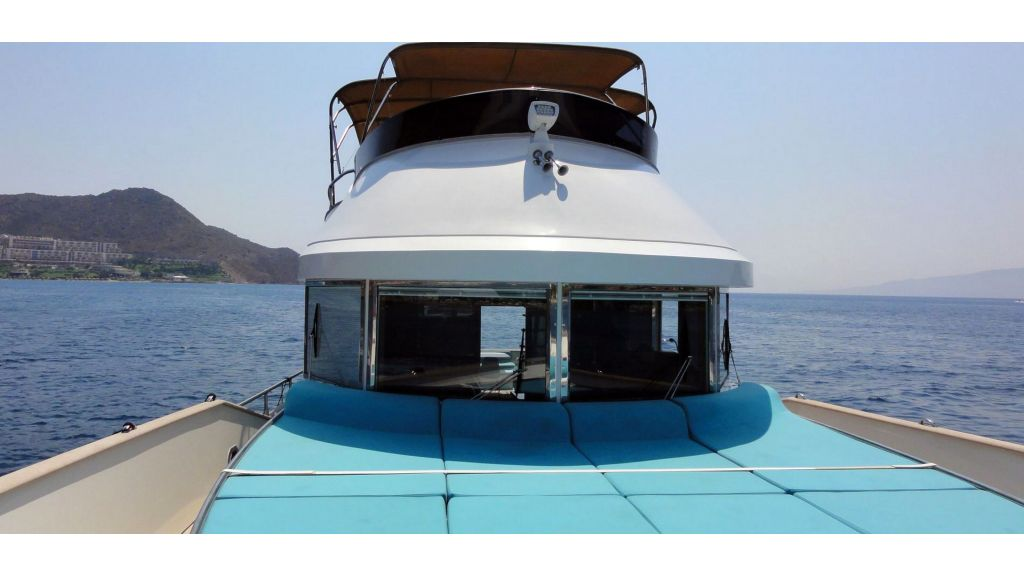 Pilothouse Trawler Motor Yacht