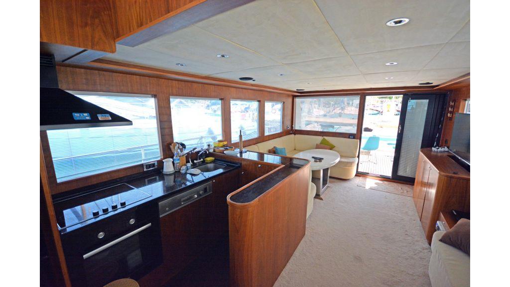 Pilothouse Trawler Motoryacht (14)