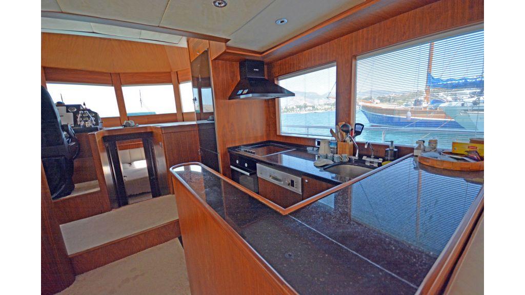 Pilothouse Trawler Motoryacht (21)