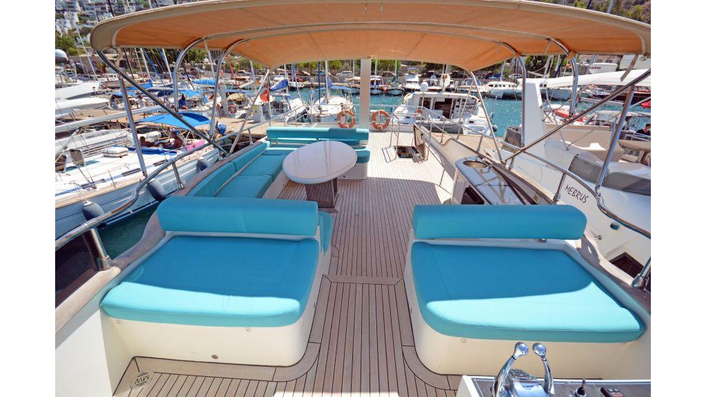 Pilothouse Trawler Motoryacht (33)