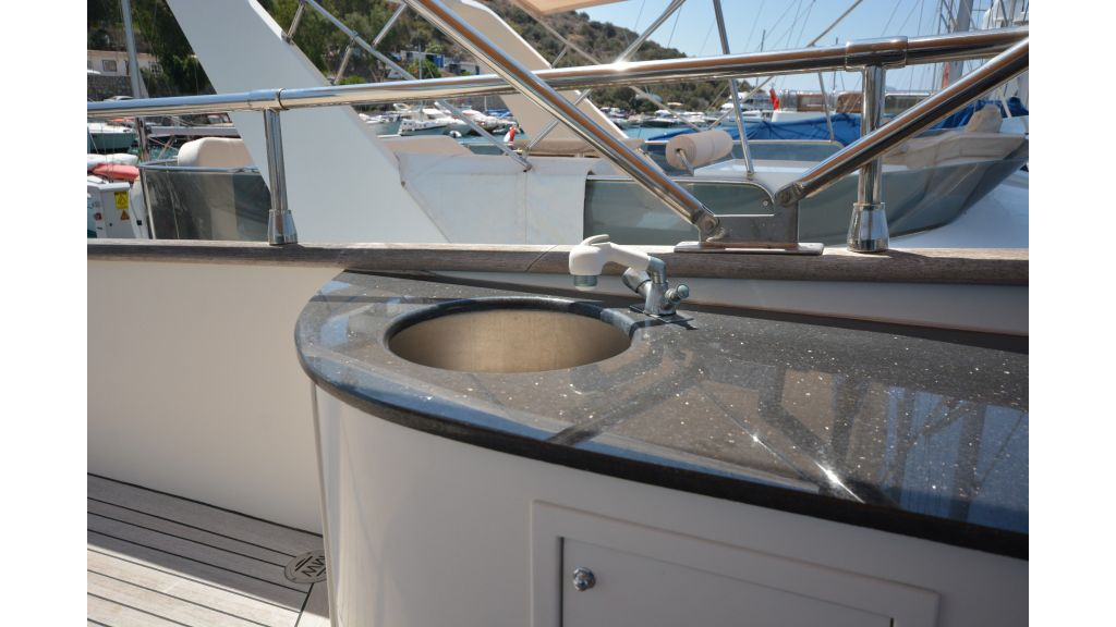 Pilothouse Trawler Motoryacht (41)