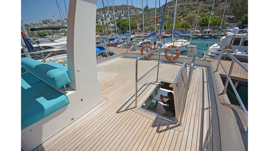Pilothouse Trawler Motoryacht (42)