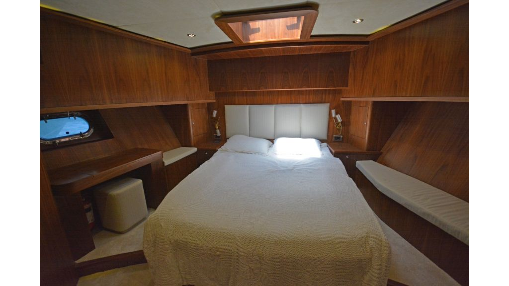 Pilothouse Trawler Motoryacht (9)