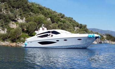 Nil motor yacht
