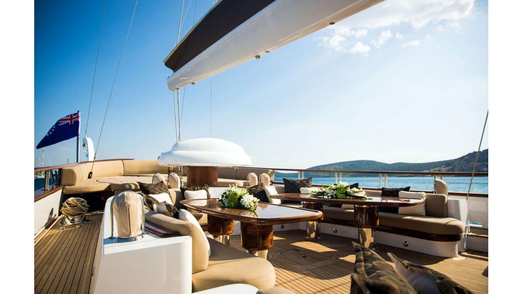 Zanziba luxuey sailing yacht