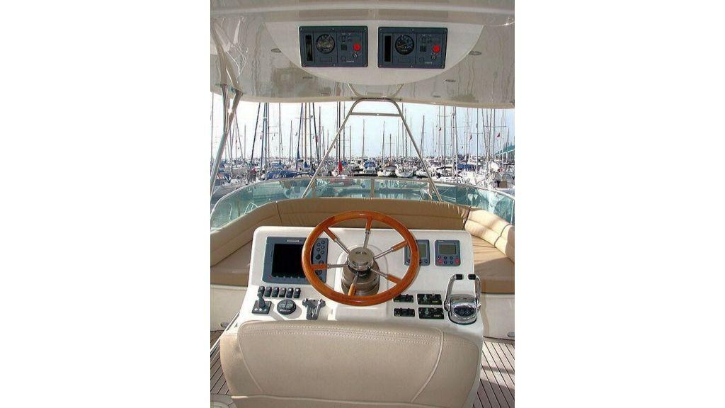 Custom Trawler (18)