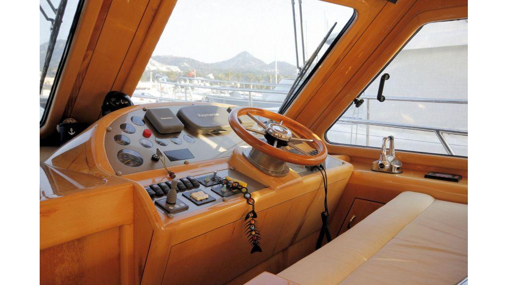 Custom Trawler (23)