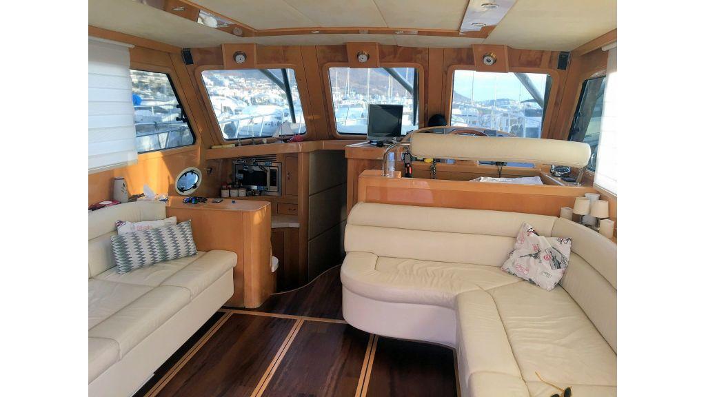 Custom Trawler (24)