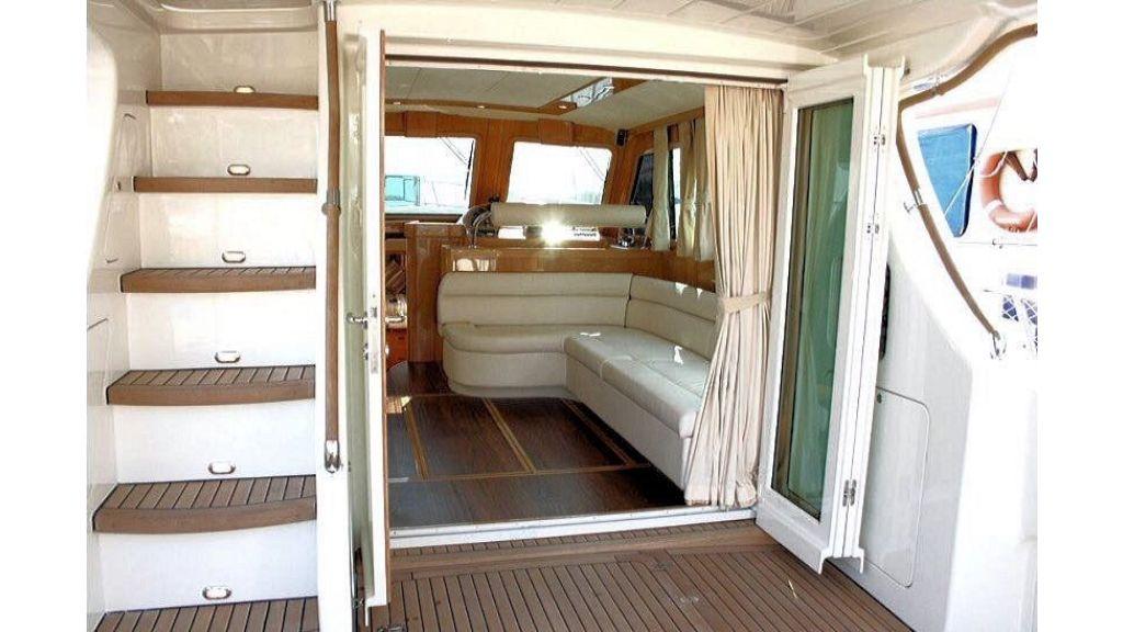 Custom Trawler (26)