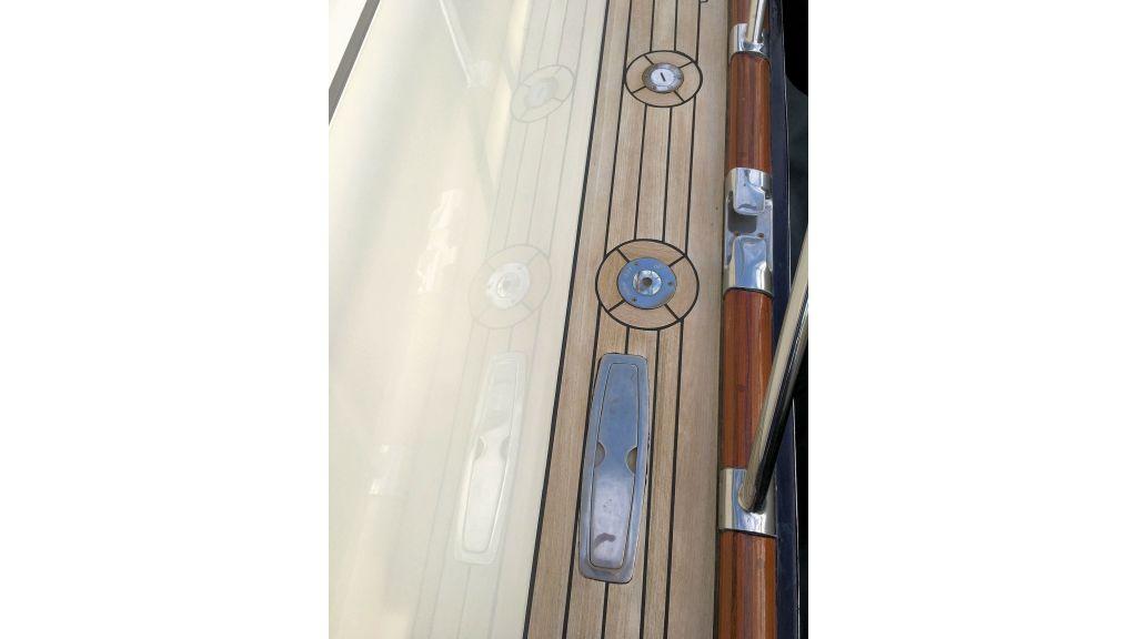 Custom Trawler (37)