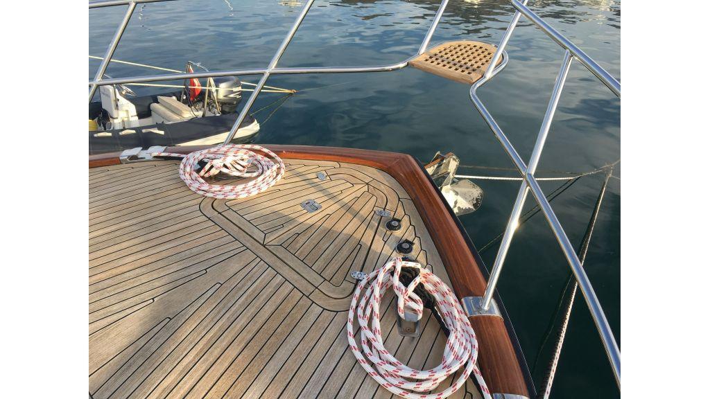 Custom Trawler (7)