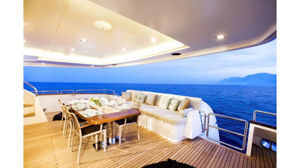 Life Style Motor Yacht (12)