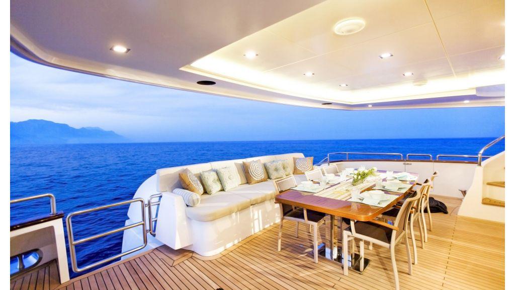 Life Style Motor Yacht (42)