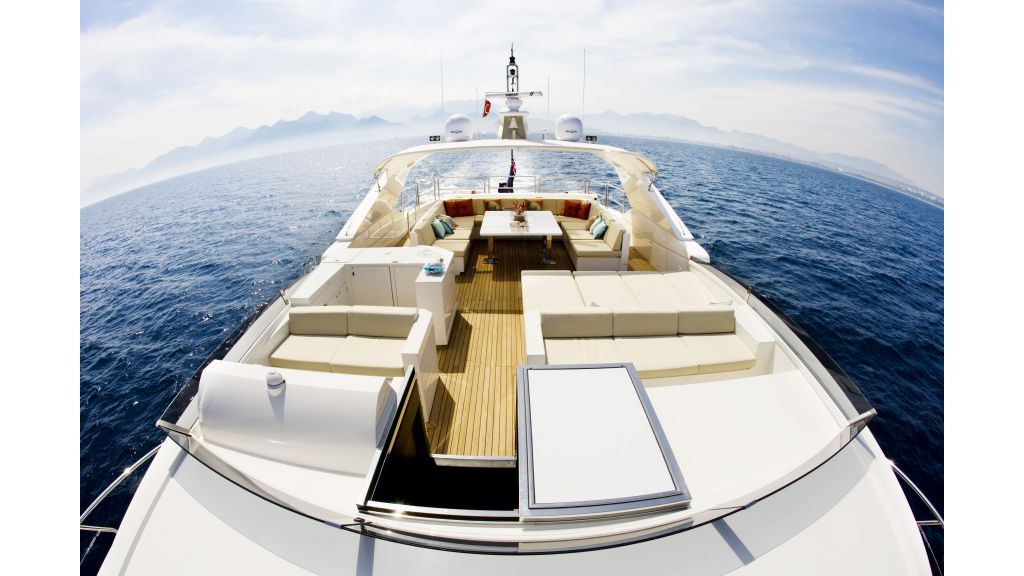 Life Style Motor Yacht (8)