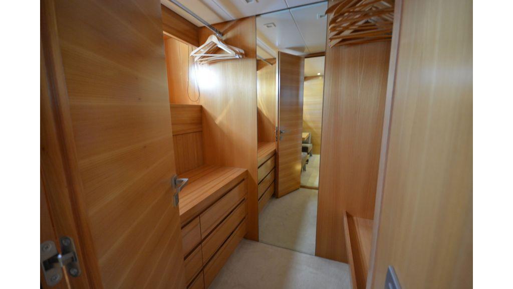 Sanlorenzo 100ft Motor Yacht (10)