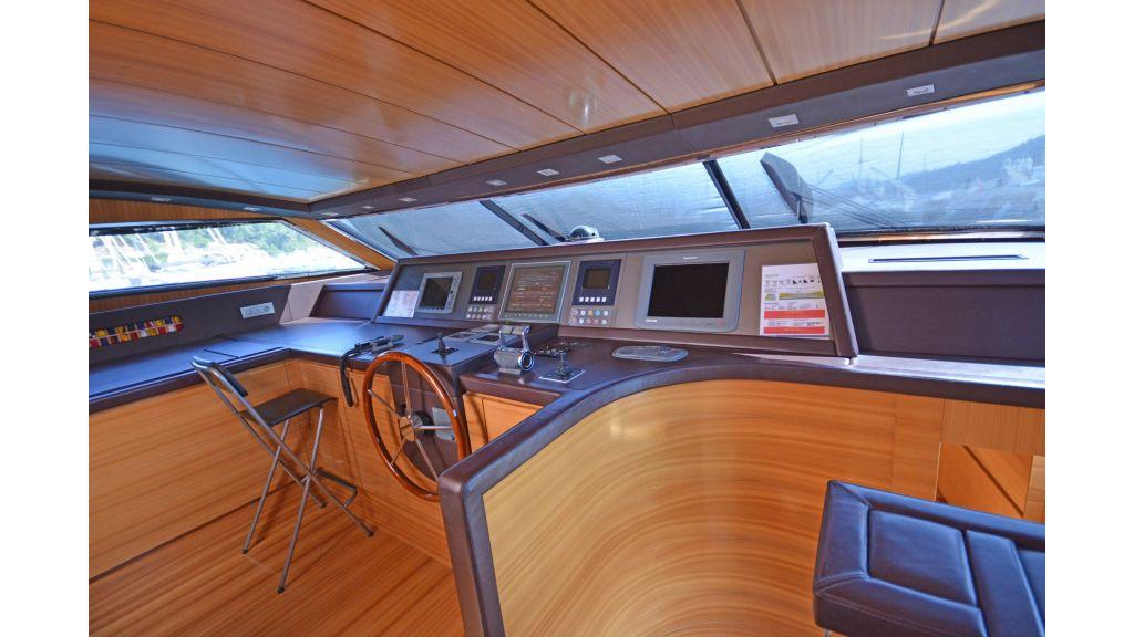 Sanlorenzo 100ft Motor Yacht (20)