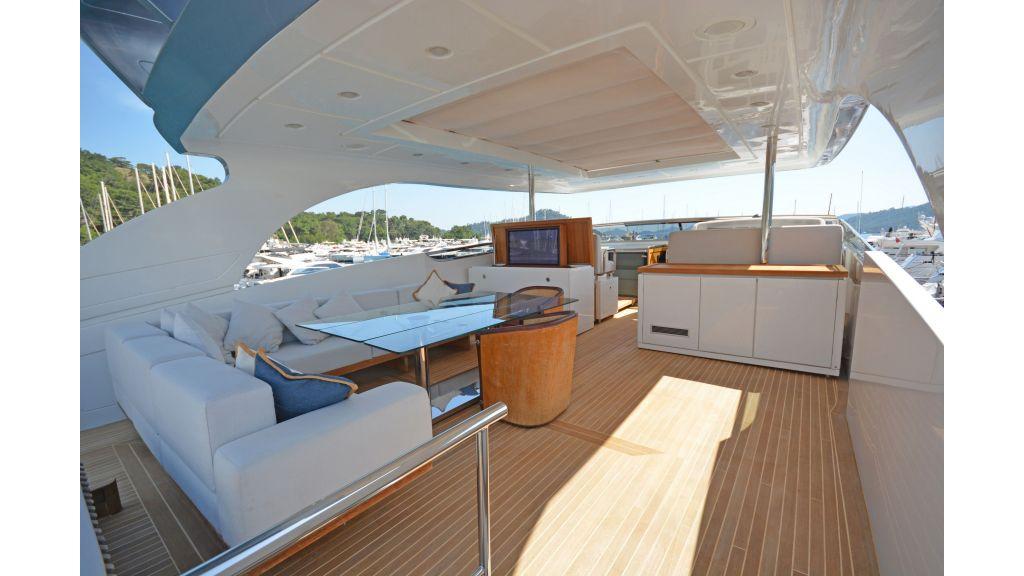 Sanlorenzo 100ft Motor Yacht (22)