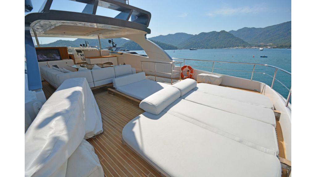 Sanlorenzo 100ft Motor Yacht (25)