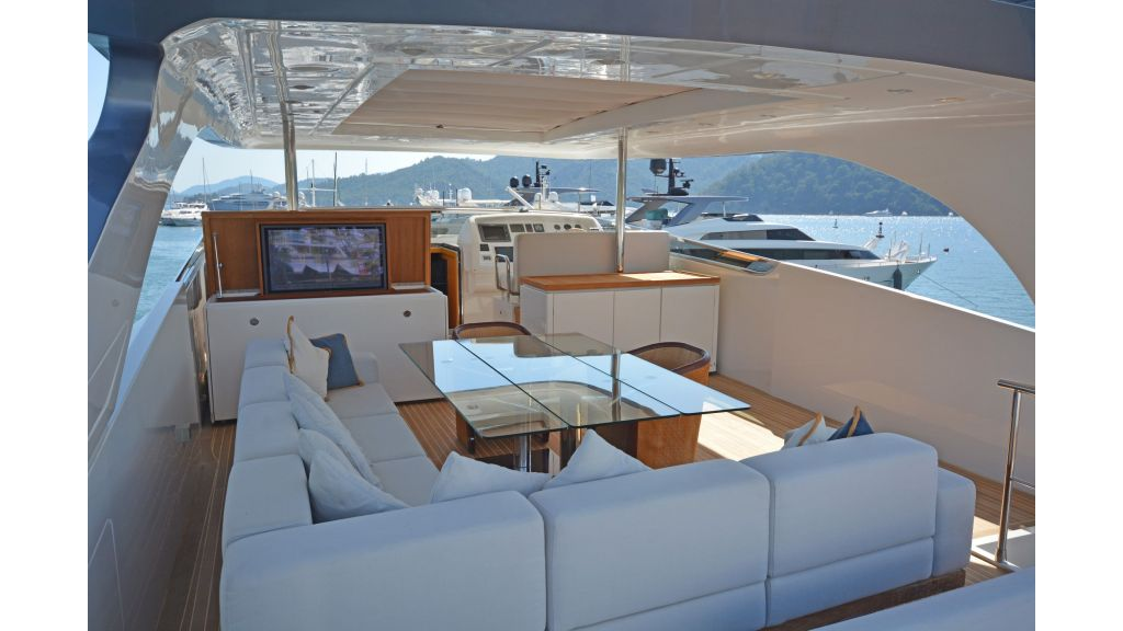 Sanlorenzo 100ft Motor Yacht (27)