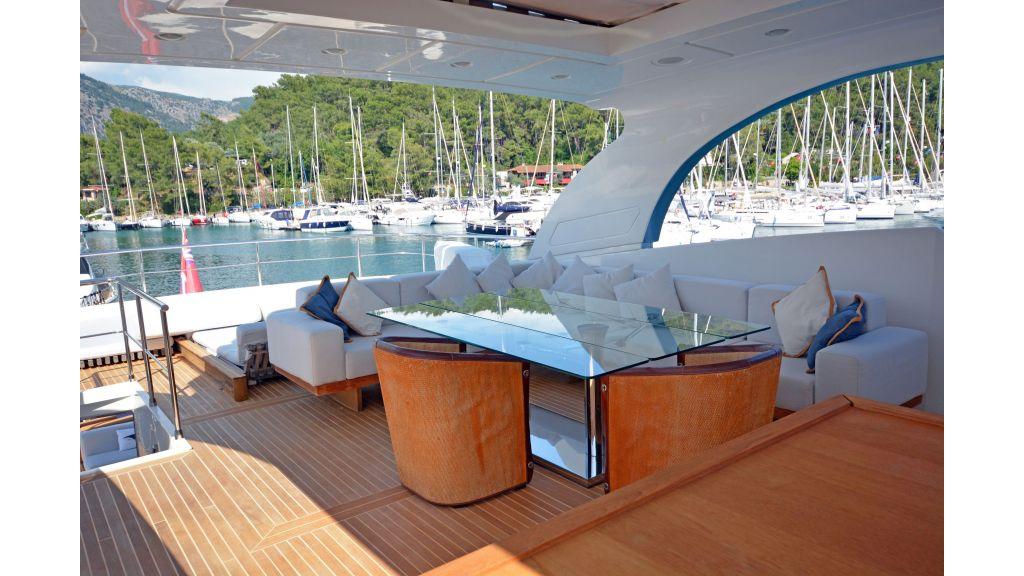 Sanlorenzo 100ft Motor Yacht (28)