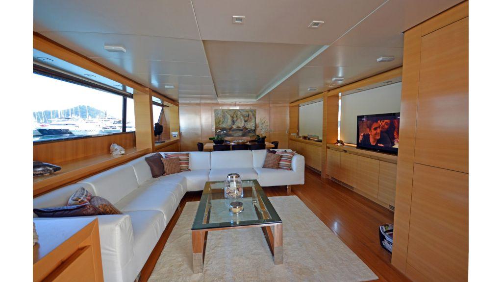 Sanlorenzo 100ft Motor Yacht (32)
