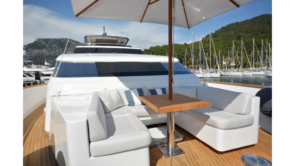Sanlorenzo 100ft Motor Yacht (36)