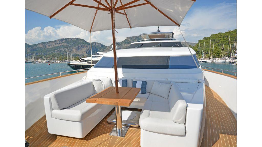 Sanlorenzo 100ft Motor Yacht (37)