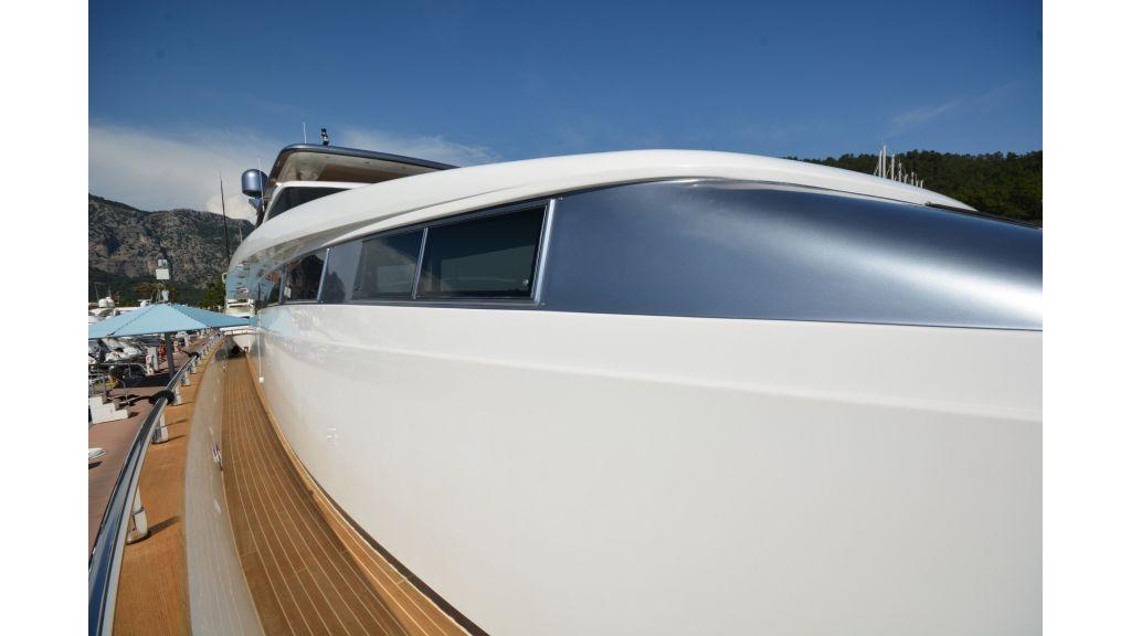 Sanlorenzo 100ft Motor Yacht (38)
