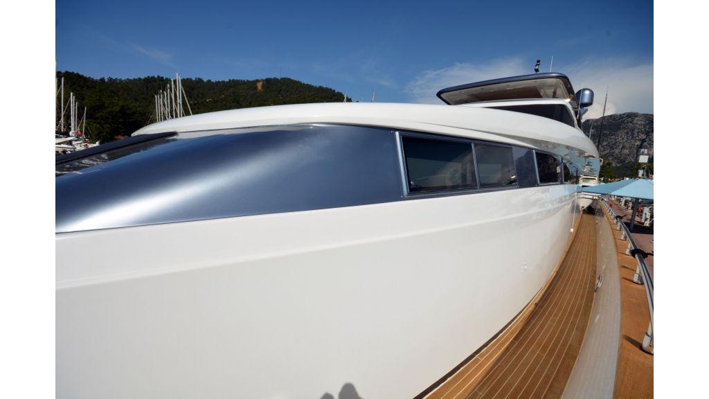 Sanlorenzo 100ft Motor Yacht (39)