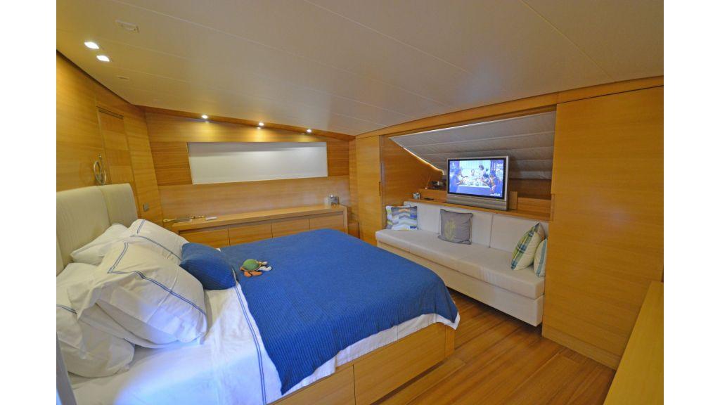 Sanlorenzo 100ft Motor Yacht (4)