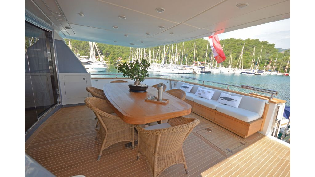 Sanlorenzo 100ft Motor Yacht (41)