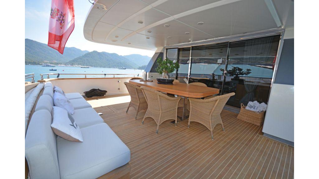 Sanlorenzo 100ft Motor Yacht (44)