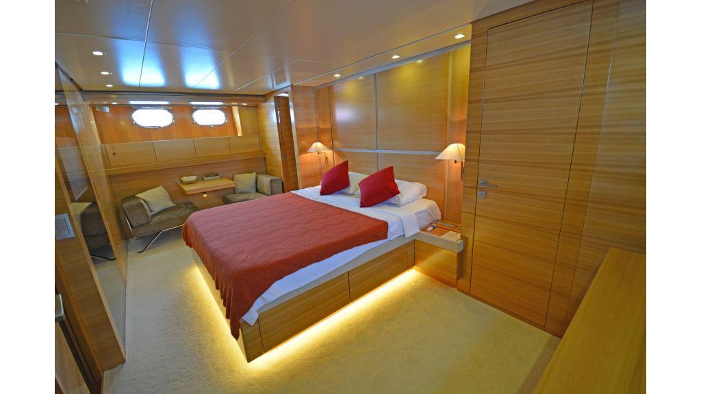 Sanlorenzo 100ft Motor Yacht (7)