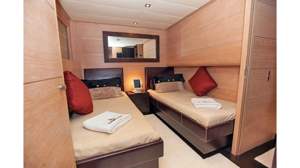 Canpark Motor Yacht (11)