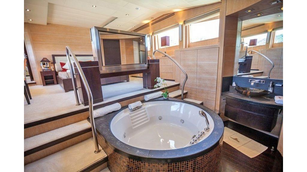 Isa Motor Yacht (21)