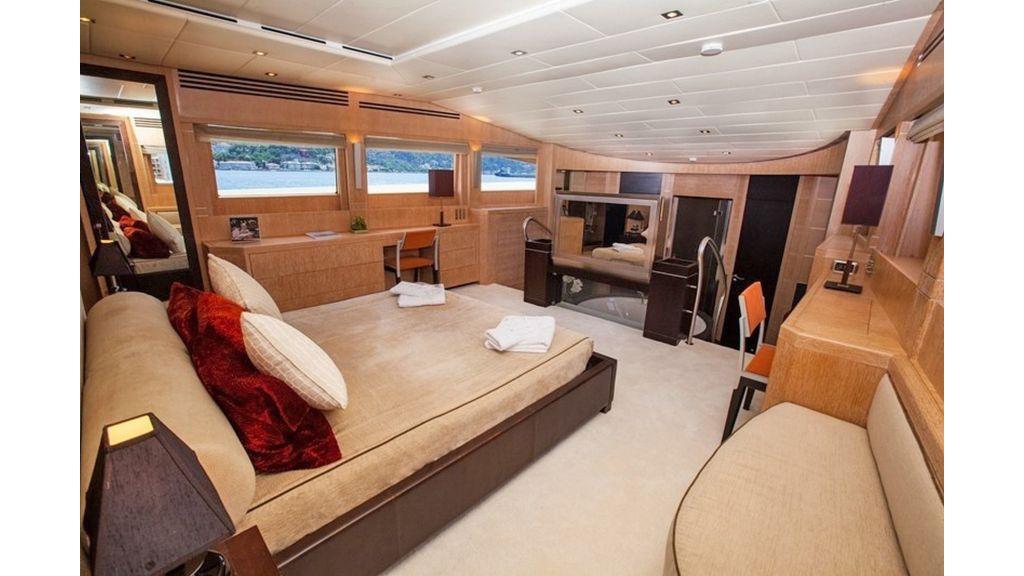 Isa Motor Yacht (30)