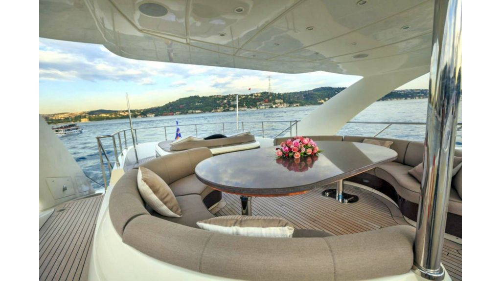 Isa Motor Yacht (34)