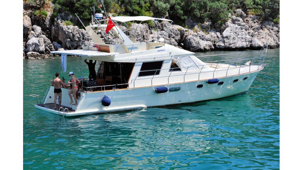 Kiris Motoryacht (3)