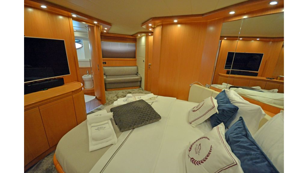 Pershing 88 For Charter (21)