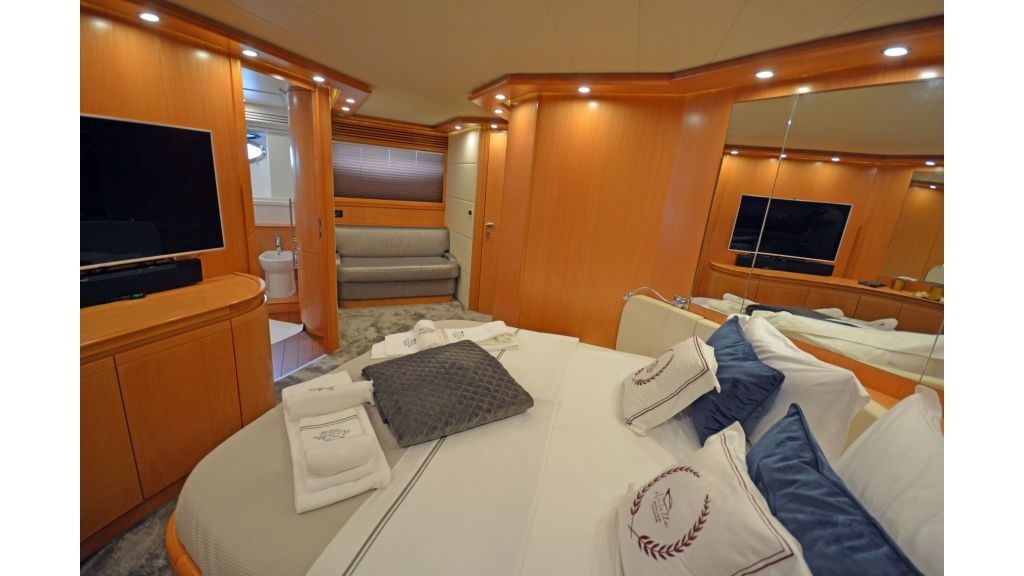 Pershing 88 For Charter (22)