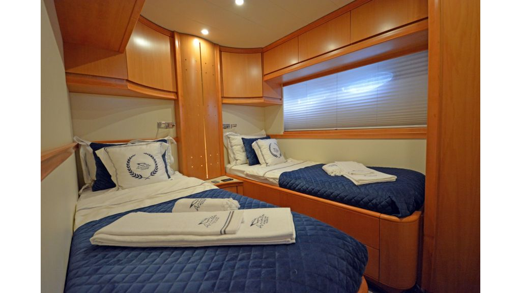 Pershing 88 For Charter (24)