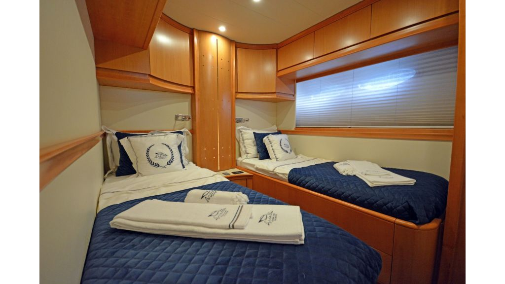 Pershing 88 For Charter (25)