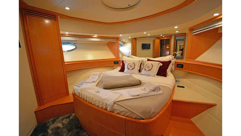 Pershing 88 For Charter (30)