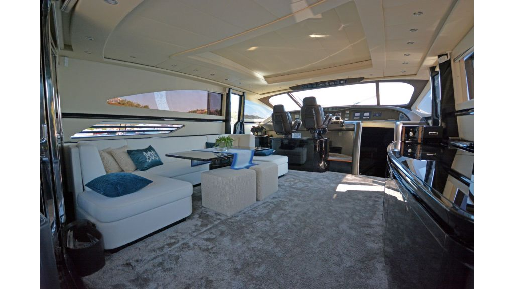 Pershing 88 For Charter (49)
