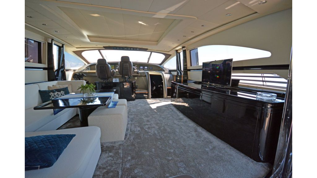 Pershing 88 For Charter (50)