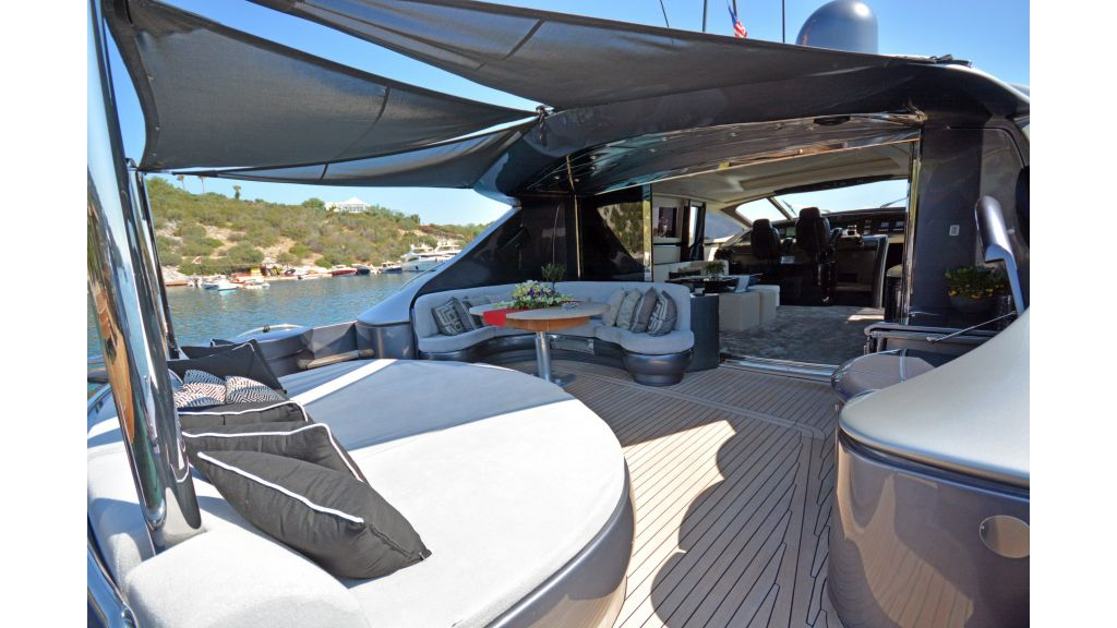 Pershing 88 For Charter (52)