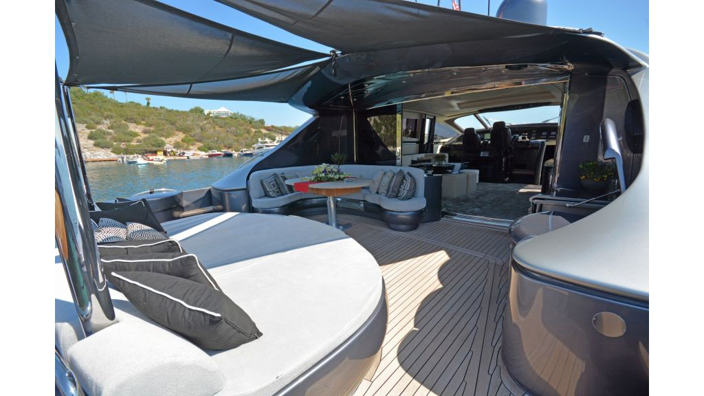 Pershing 88 For Charter (53)